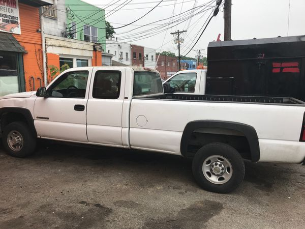 2005 Chevy Silverado Hd 8 ft Bed only $6600