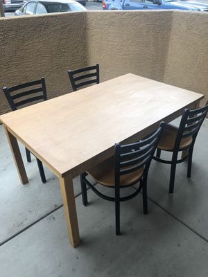 Dining table with four chairs for Sale in Peoria, AZ