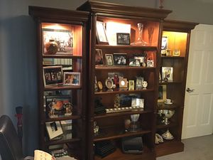 Beautiful 3 piece wood wall unit. This is made by Hamilton Heritage model #6013R. with lights and mirrors. for Sale in Miami, FL