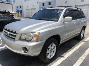 2001 toyota highlander for Sale in Miami, FL