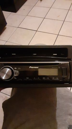Pioneer stereo bluetooth USB disc for Sale in Chicago, IL