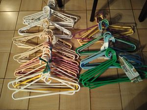 Plastic Hangers for Sale in Hollywood, FL