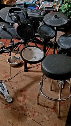 Roland TD11 Drum Kit for Sale in Keizer,  OR