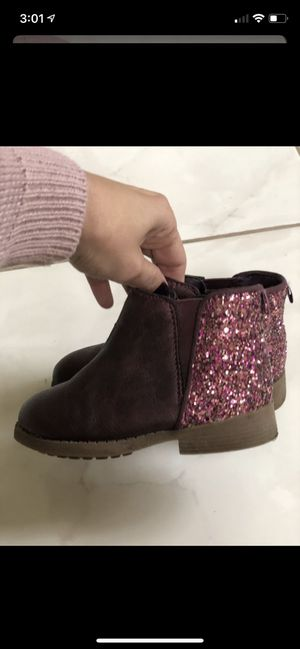 Oshkosh brand little girls boots size 8 for Sale in Hanover Park, IL