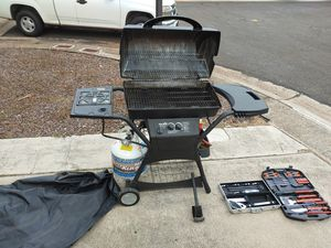 Gas BBQ with accessories for Sale in Waipahu, HI