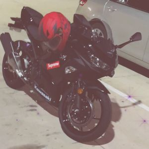 Motorcycle 2018 Kawasaki ninja for Sale in Kennesaw, GA