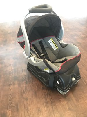 Baby trend car seat with base for Sale in Valparaiso, FL