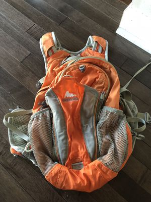 Hiking backpack for Sale in St. Charles, IL