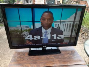 LG 42inches TV with remote control and 3 HDMI ports for Sale in Washington, DC