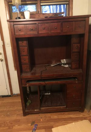 Computer desk for Sale in Cleveland, OH