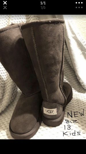 UGG boots for girls size 13. 80$ Retail for 130+ tax for Sale in Los Angeles, CA