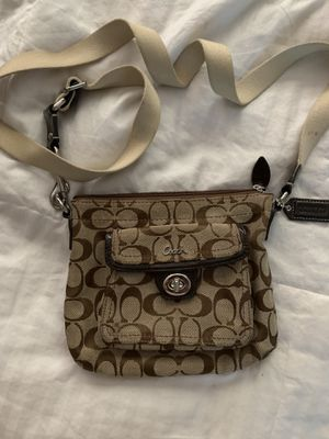 Small coach crossbody for Sale in Fort Lauderdale, FL