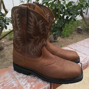 Ariat Steel Toe work boots Size 10D for Sale in Riverside, CA