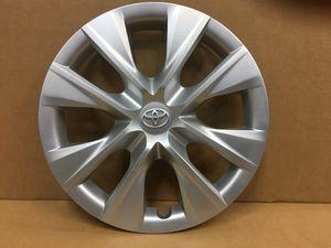 "(1) Toyota Corolla Original Factory Hubcap 15"" OEM Genuine wheel cover 2014-2018 hub cap tapa de goma for Sale in Miami Lakes, FL"