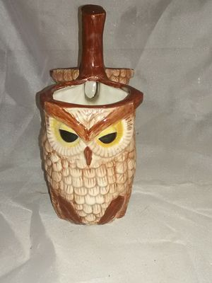 "Dual ceramic Owl flower pots 8"" tall 6.5"" wide for Sale in Wichita, KS"
