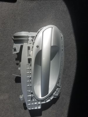 BMW 750li right front door handle for Sale in East Canton, OH