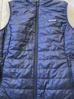 New Patagonia Women's Vest Size small Navy Blue for Sale in Milpitas,  CA