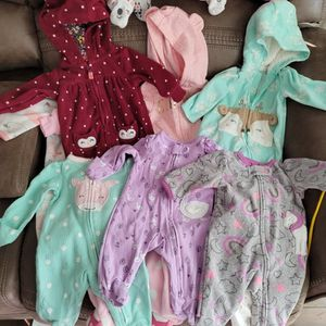 Box of Baby Girl Clothes and Shoes for Sale in Anaheim, CA