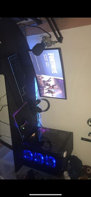 Pc with monitor keyboard mouse and a mouse pad all led from digital storm for Sale in Fort Worth, TX