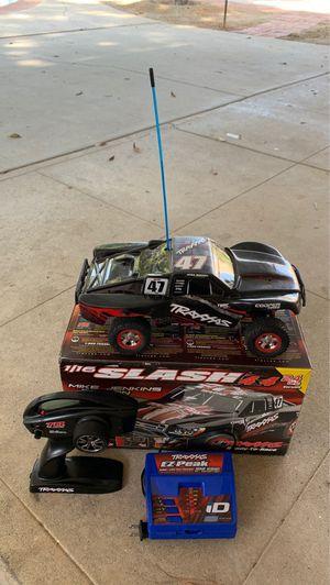 Traxxas Slash mini 4x4 for Sale in Los Angeles, CA