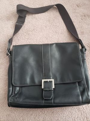 Kenneth Cole reaction bag for Sale in Murrieta, CA