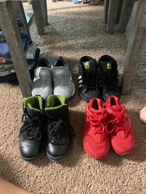 Free shoes for Sale in Orlando, FL