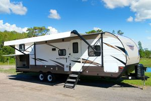 BEAUTIFUL - Wildwood 30KQBSS Bunkhouse 2 bedroom camper- like New 2018 for Sale in Orlando, FL