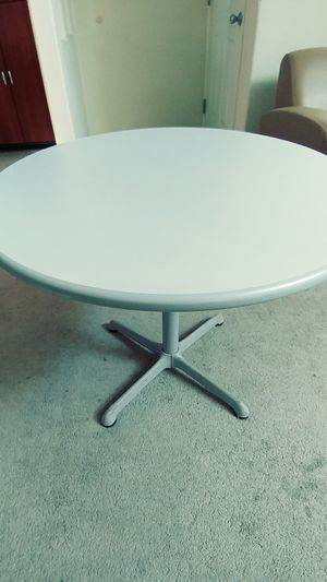 Formica table for Sale in Tracy, CA