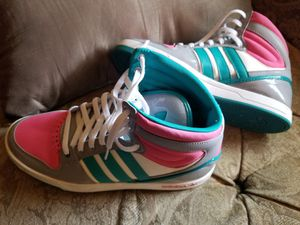 Adidas sz 7 for Sale in Mount Rainier, MD