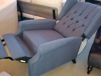 Winged Back Recliner for Sale in Fontana,  CA