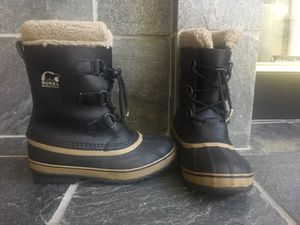 Sorel waterproof boots great for snow and rain for Sale in Las Vegas, NV