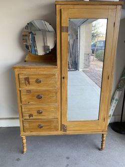 Antique armoire for Sale in Las Vegas,  NV