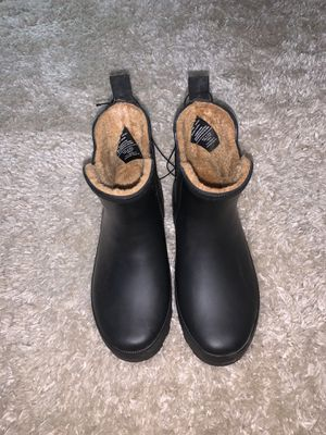 Black rain boots boots size 6 for Sale in Livermore, CA
