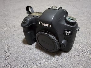 Canon EOS 6D body only for Sale in Glendale, CA