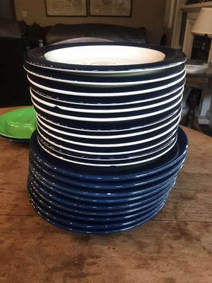 Great kitchen plates with dinner bowls all pieces for $20 for Sale in Modesto, CA