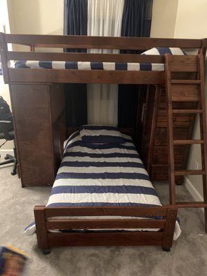Living Spaces Twin bunk bed for Sale in San Jose, CA