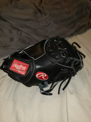 Rawlings Heart of the Hide catchers glove 32.5inch for Sale in Riverside, CA