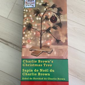 New Charlie Brown snoopy Christmas Tree for Sale in San Diego, CA