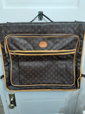 Garment Bag || IN GREAT CONDITION for Sale in Philadelphia, PA