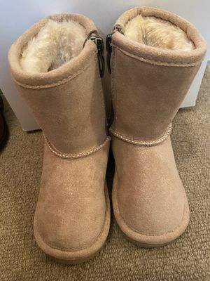 Girls boots for Sale in Irving, TX