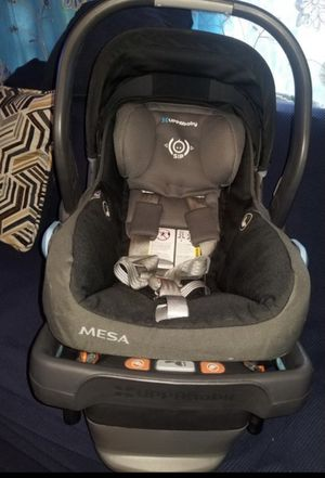 Uppay baby Mesa car seat for Sale in Los Angeles, CA