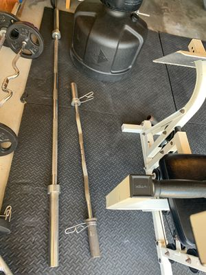 Olympic Bar and curl Bar for Sale in Vista, CA