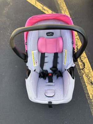 Evenflo litemax 35 infant car seat with base for Sale in East Meadow, NY