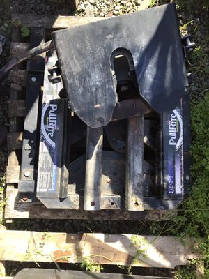 Pullright 5th wheel hitch Mo. 4000 w/adapter for Sale in Half Moon Bay, CA