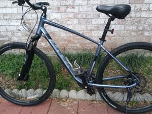 2020 Giant hybrid, disc brakes lock out suspension forks in front for Sale in Webster, TX