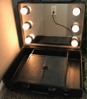 Rolling Travel Makeup Vanity/Case w/ Lights for Sale in Houston, TX