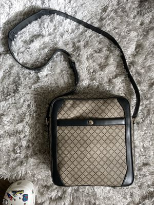 Gucci Messenger bag 💼 for Sale in Los Angeles, CA