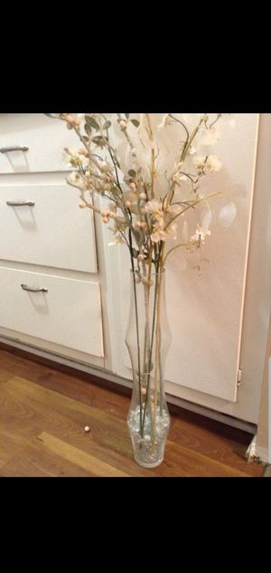 Glass vase(fake flowers) for Sale in Los Angeles, CA