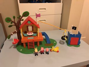 Peppa Pig Treehouse and fort play set for Sale in Everett, WA