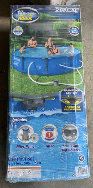 Bestway 12x30 Pool with Pump for Sale in Chicago, IL